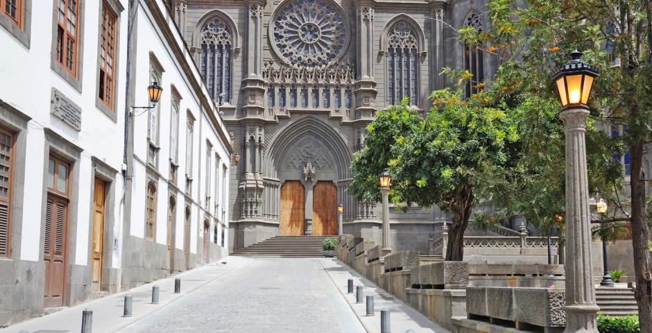 Weg zur historischen Kirche San Juan Bautista - Arucas
