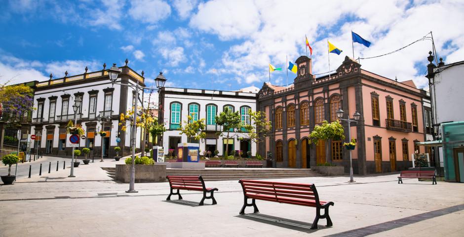 Plaza de Constitución mit Rathaus