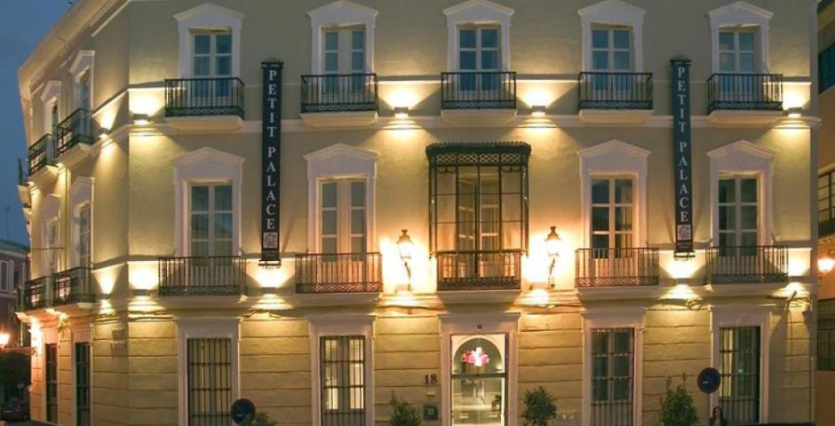 Petit Palace Santa Cruz