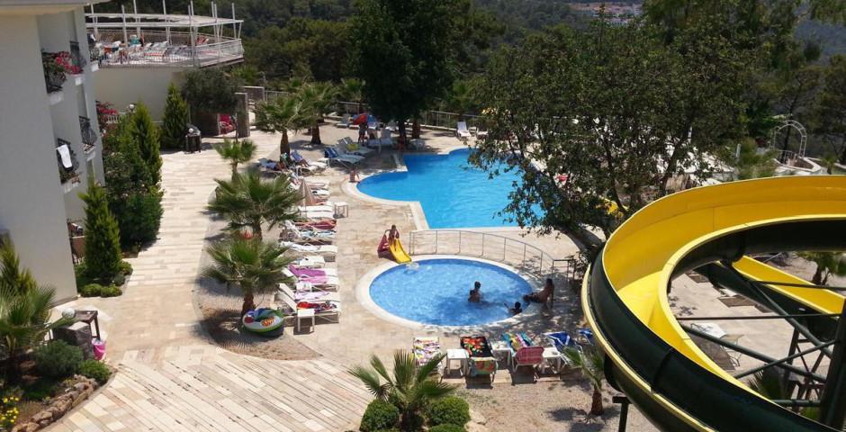St. Nicholas Park Hotel