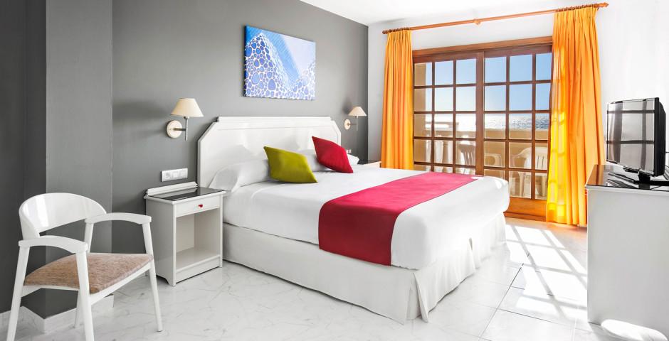 Doppelzimmer - smartline Castillo de Antigua