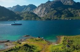 Mit Bus und Schiff über die Inseln