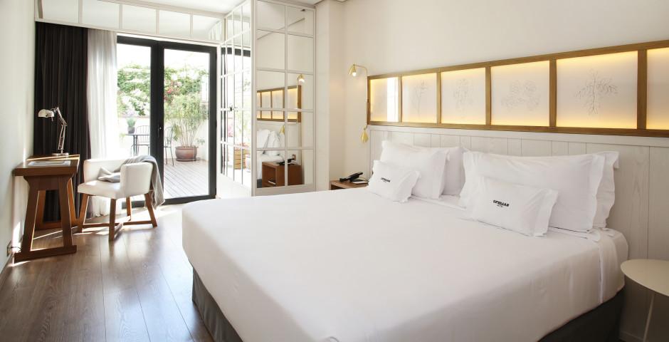 Ofelias Hotel