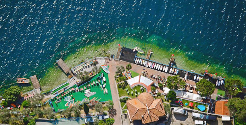 Pier Surf Hotel