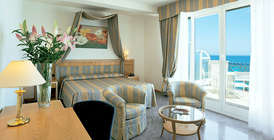 Doppelzimmer Deluxe - Grand Hotel Mediterranee