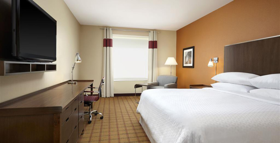 Four Points by Sheraton Edmonton International Air