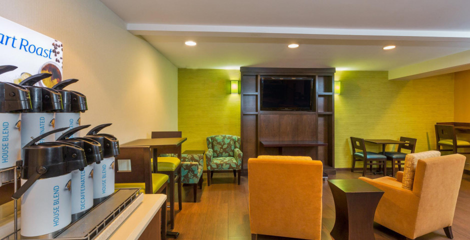 Holiday Inn Express San Diego Sea World - Beach Ar