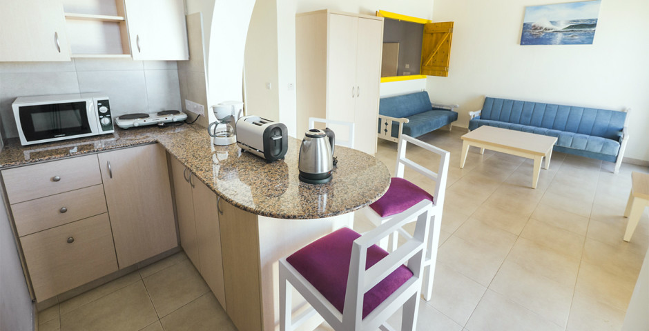 MyroAndrou Beach Hotel Apartments