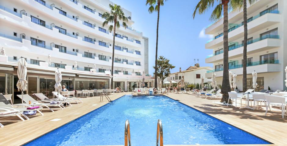 Metropolitan JUKA Playa Aparthotel