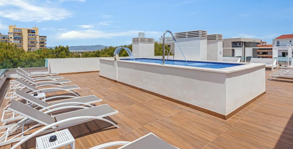 Metropolitan Playa Juka Aparthotel