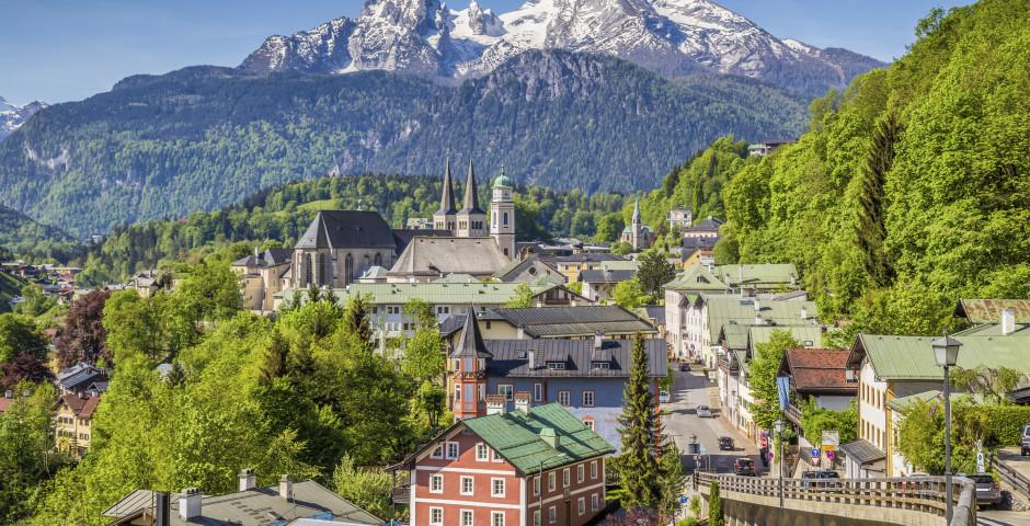 Innenstadt mit dem Watzmann im Hintergrund - Berchtesgaden