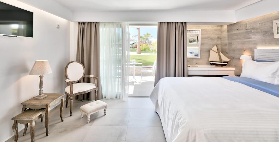 Nisiros Suite - White Pearls Luxury Suites