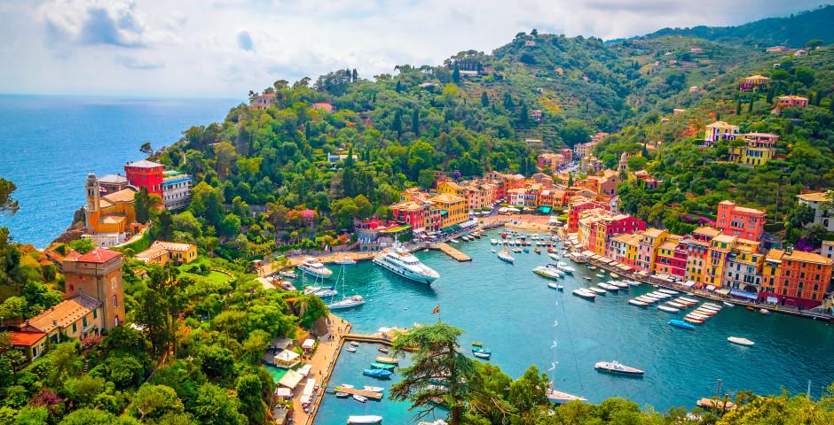 Aussicht über Portofino mit dem Hafen