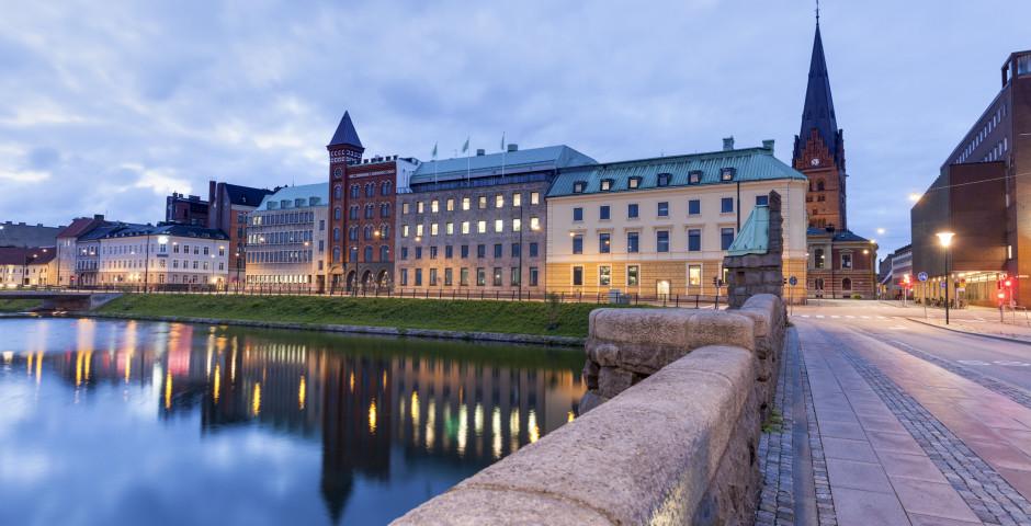 Innenstadt von Malmö mit der Kathedrale St. Petri im Hintergrund