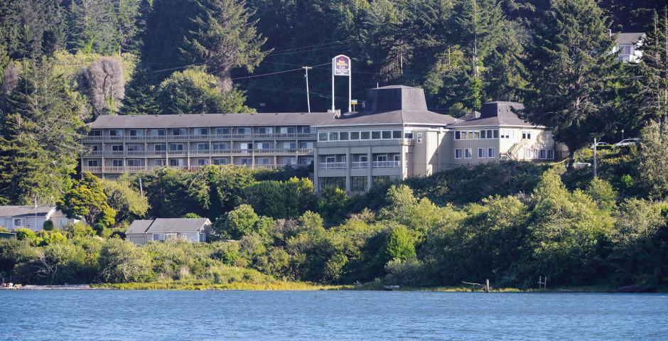 Best Western Plus Pier Point Inn