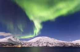 Winterwunderland und Polarlichtzauber