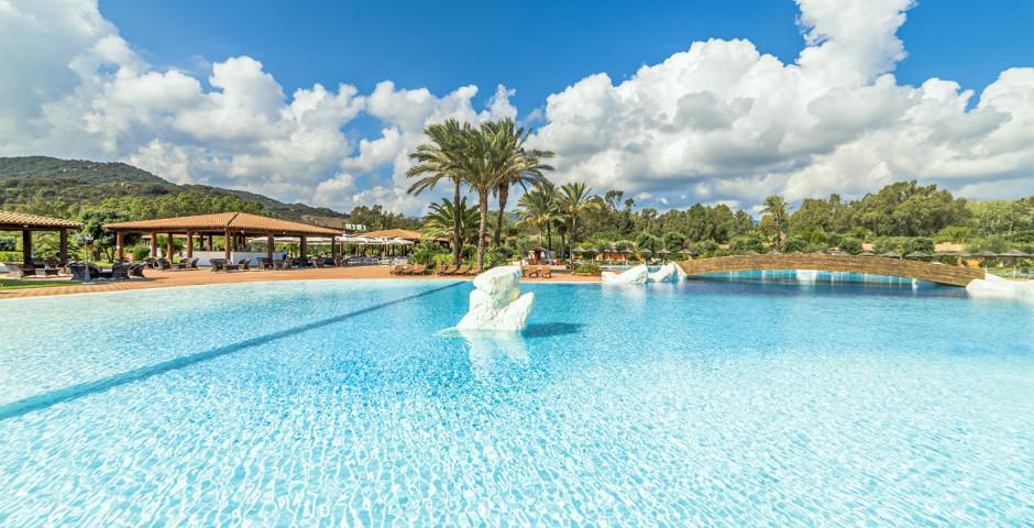 Garden Beach Hotel & Resort