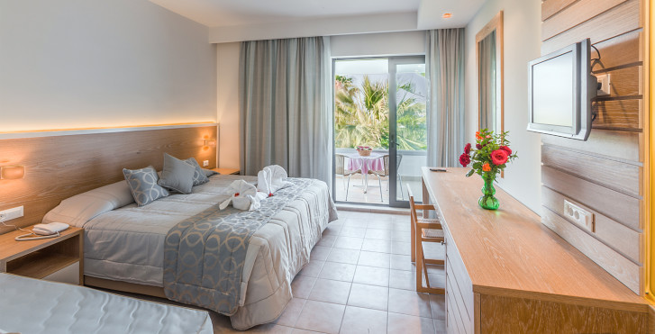 Image 16935593 - Tigaki Beach Hotel