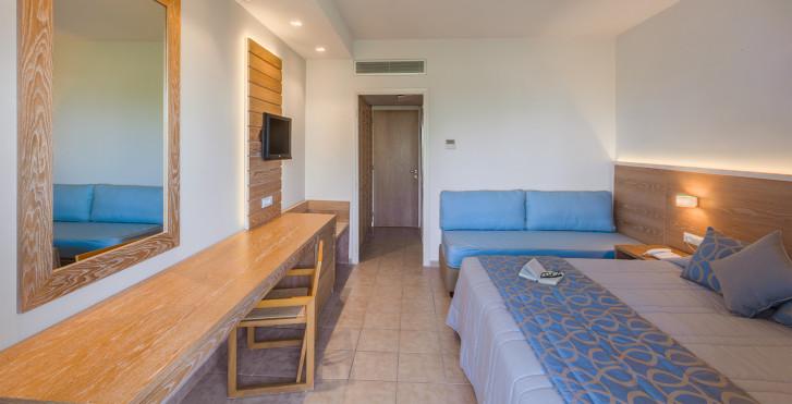 Image 16935603 - Tigaki Beach Hotel