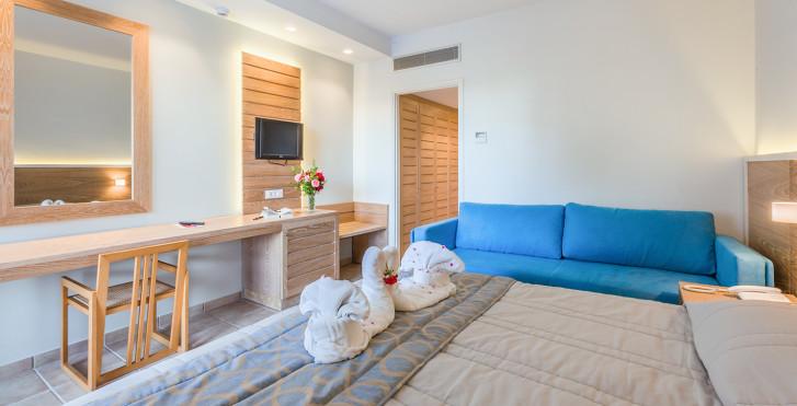 Image 16935605 - Tigaki Beach Hotel