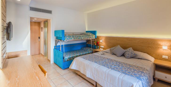 Image 16935607 - Tigaki Beach Hotel