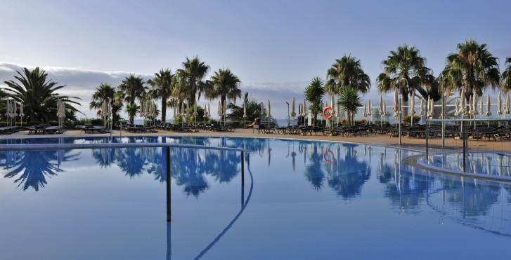 Image 28630217 - Four Views Oasis