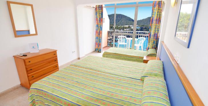 Bild 24609969 - Cala Tarida Hotel Club