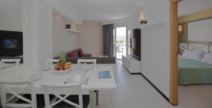 Image 26158749 - Isla de Cabrera Aparthotel