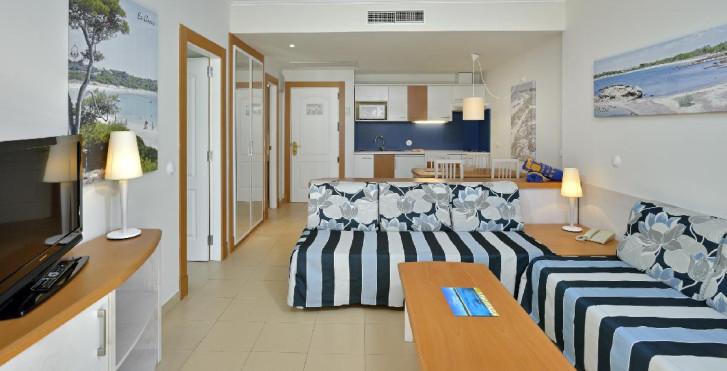 Image 25532484 - Isla de Cabrera Aparthotel