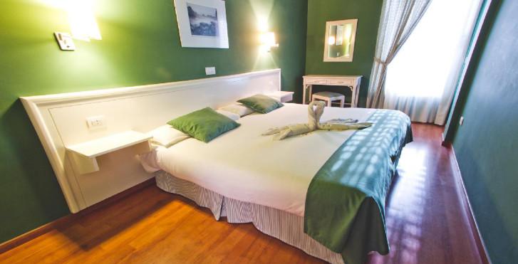 Image 19429303 - Spa La Quinta Park Suites