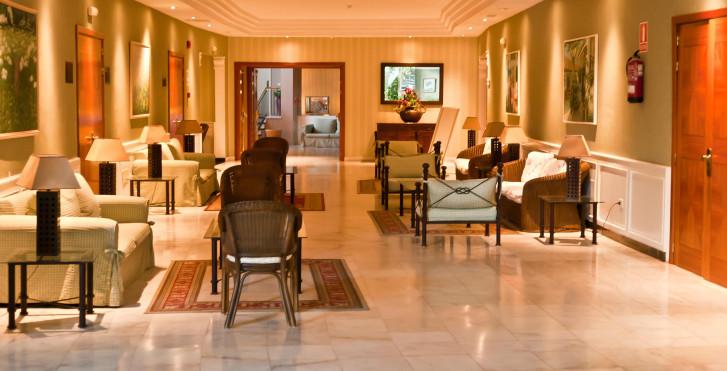 Image 28360175 - Spa La Quinta Park Suites