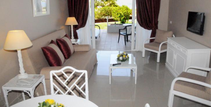 Image 28360186 - Spa La Quinta Park Suites