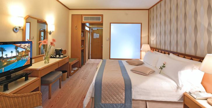 Image 31322915 - Constantinou Bros Pioneer Beach Hotel