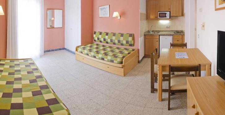 Image 23931994 - Hotel GHT Balmes