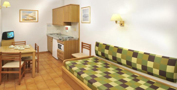 Image 23932000 - Hotel GHT Balmes