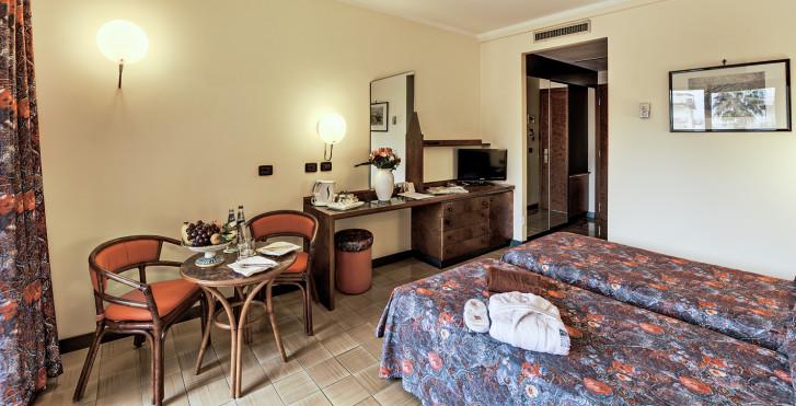 Image 25564599 - Caesar Palace Giardini Naxos
