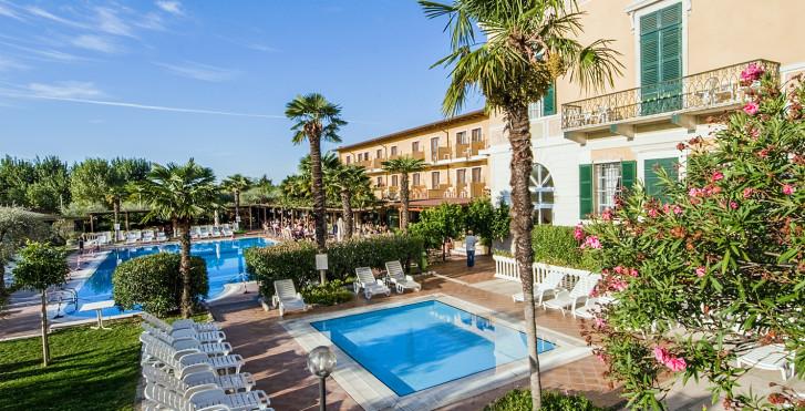 Image 22357463 - Hôtel Antico Monastero & Camping Toscolano