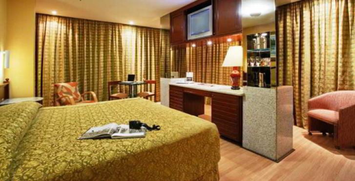 Image 13623513 - Windsor Excelsior Hotel