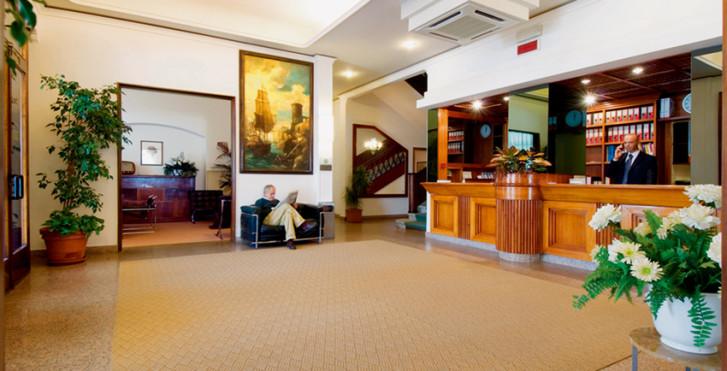 Image 25631844 - Grand Hotel & Riviera