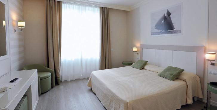 Image 25631821 - Grand Hotel & Riviera