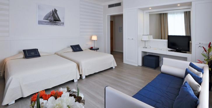 Image 25631831 - Grand Hotel & Riviera