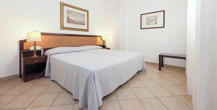 Image 25631833 - Grand Hotel & Riviera