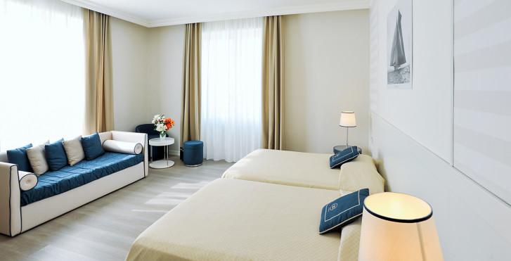 Image 25631838 - Grand Hotel & Riviera
