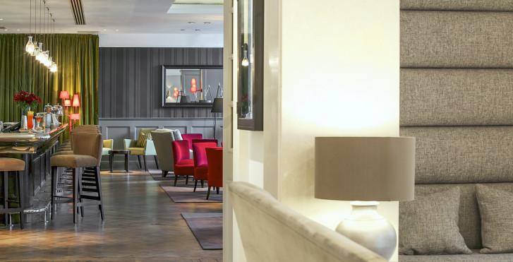 Image 28049903 - London Bridge Hotel