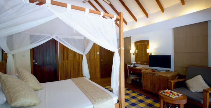 Image 7632989 - Medhufushi Island Resort