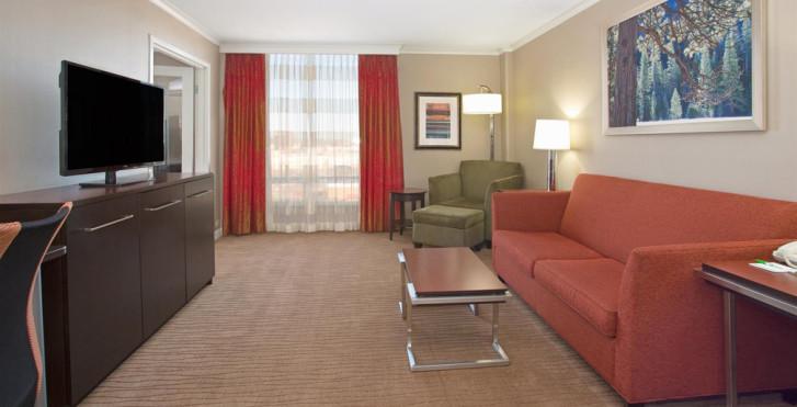 Image 27282565 - Holiday Inn Denver Cherry Creek