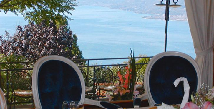 Image 27407900 - Hotel Laguna