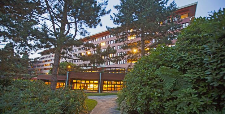 Disney s sequoia lodge disneyland paris migros ferien for Hotel sequoia lodge piscine