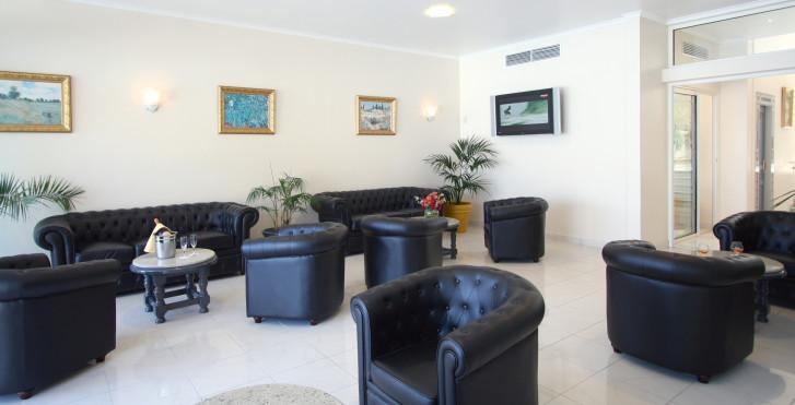 Bild 7999794 - Hotel Corsica