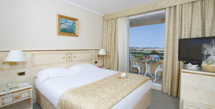 Beispiel Zimmer Classic - Hotel Corsica